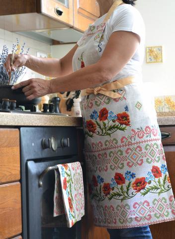Купить кухонный фартук и полотенце в украинском стиле с маками, ручная работа, комплект