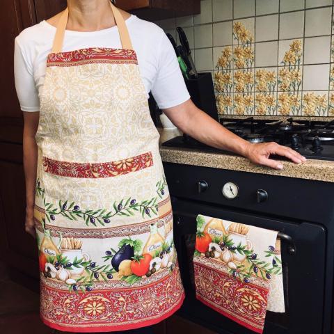 Купить кухонный фартук и полотенце в украинском стиле. Рисунок Оливки, ручная работа, комплект